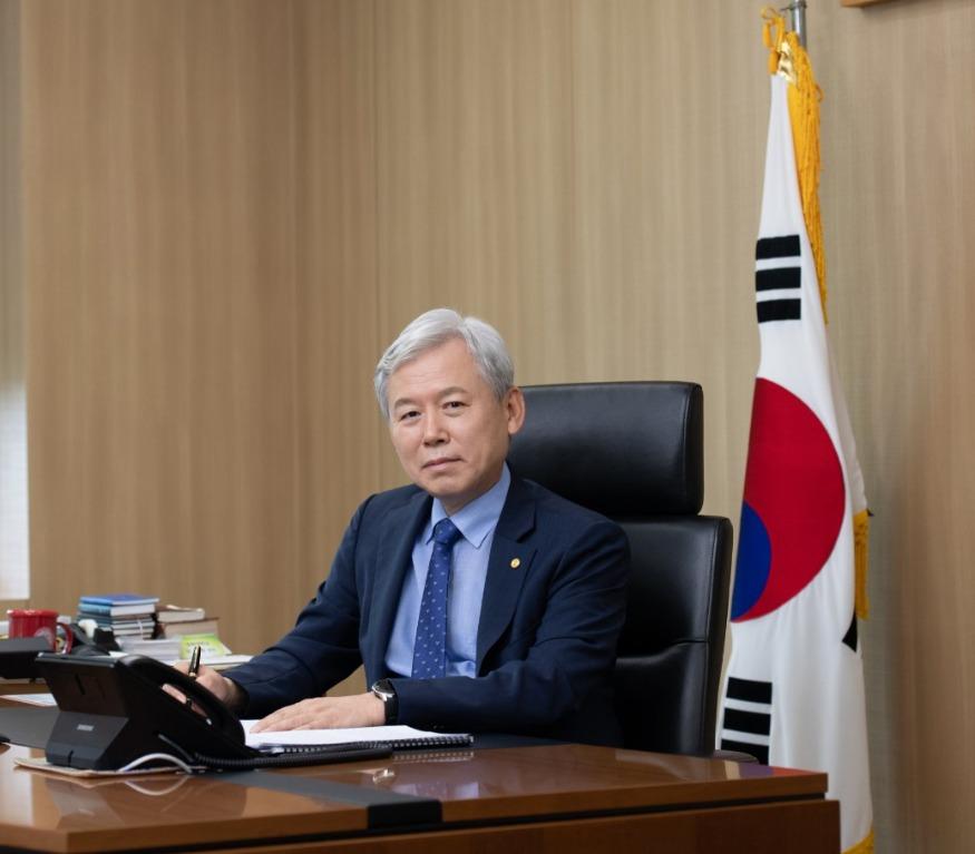 (3-1)김상동총장_사진.jpg