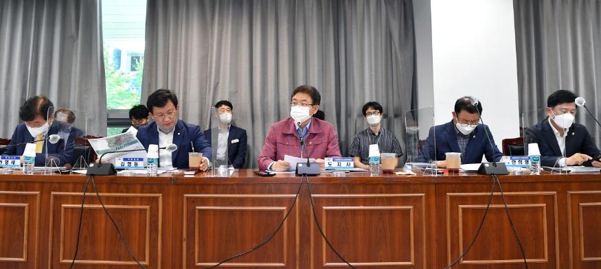 (3-1)도청이전신도시건설위원회3.jpg